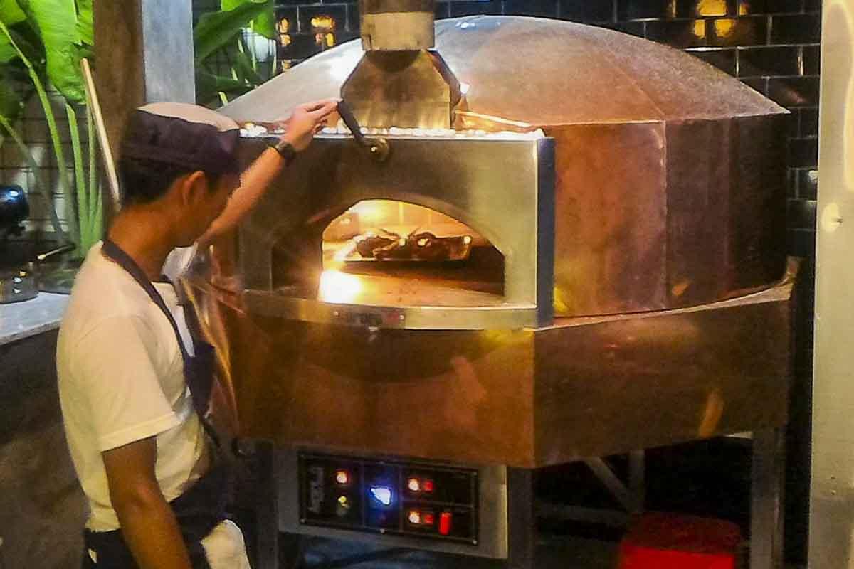 Aurora 120 brass Oven Pizza Brick Lava Stones Wood Gas Bali Indonesia Asia 400 063