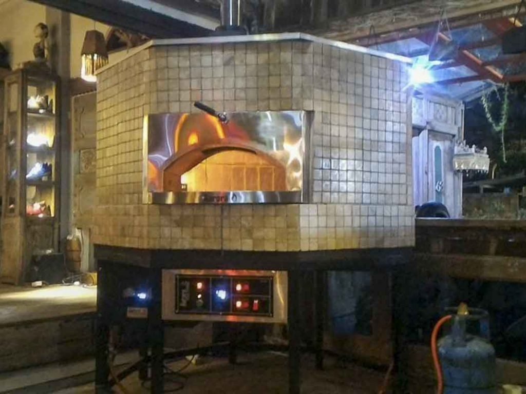 Aurora 120 brown Oven Pizza Brick Lava Stones Wood Gas Bali Indonesia Asia 400 014