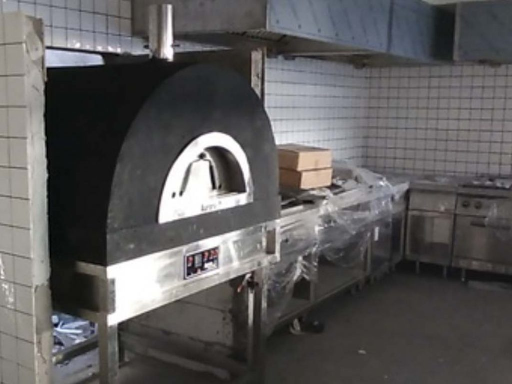 Aurora 90 black Oven Pizza Brick Lava Stones Wood Gas Bali Indonesia Asia 200 027