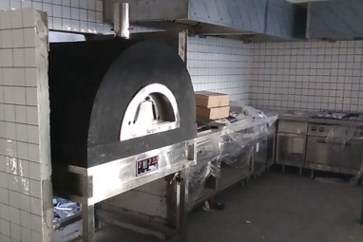 Aurora 90 black Oven Pizza Brick Lava Stones Wood Gas Bali Indonesia Asia 200 027