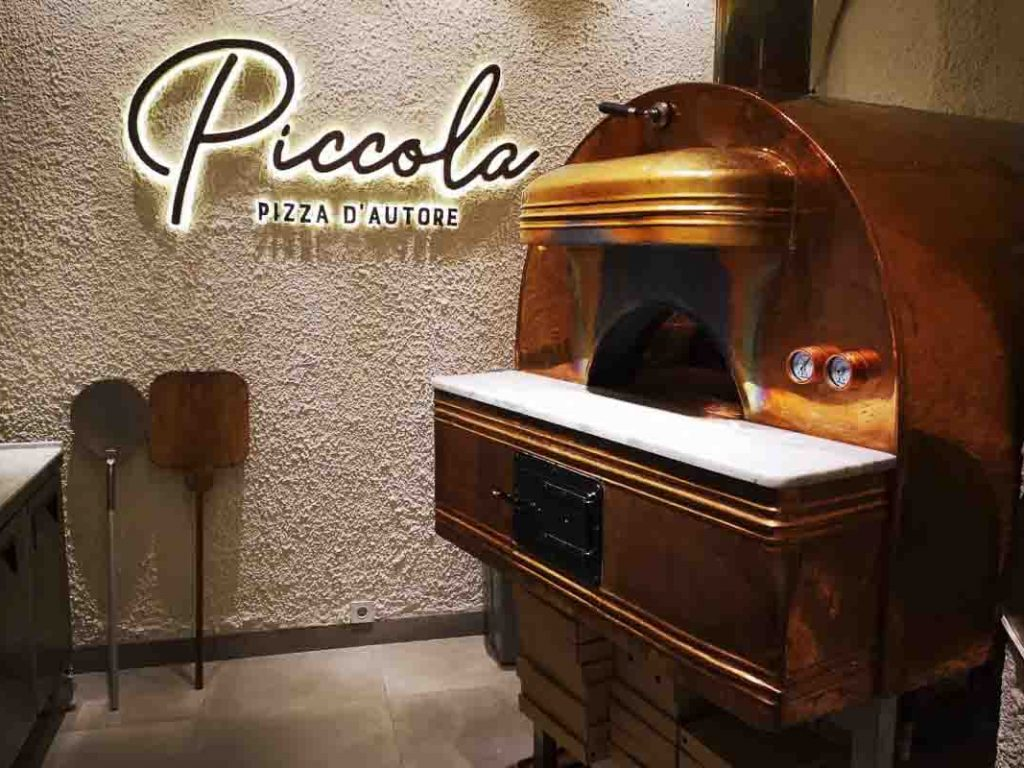 Aurora 90 brass Oven Pizza Brick Lava Stones Wood Gas Bali Indonesia Asia 300 001