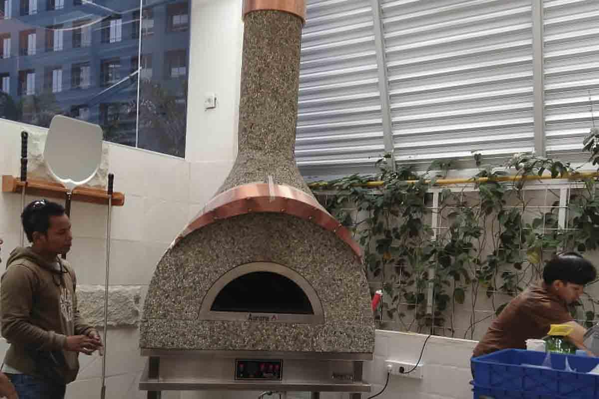 Aurora 90 custom Oven Pizza Brick Lava Stones Wood Gas Bali Indonesia Asia 300 002