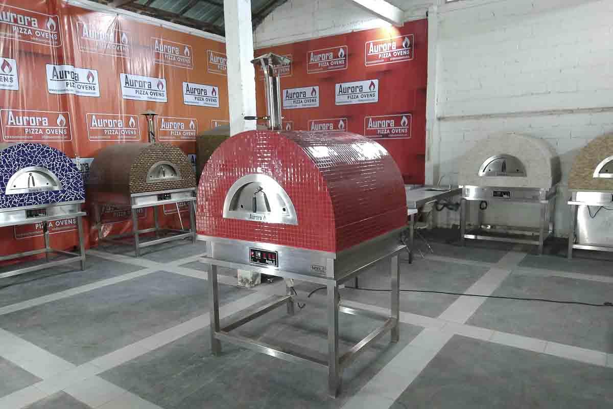 Aurora 90 red Oven Pizza Brick Lava Stones Wood Gas Bali Indonesia Asia 200 037