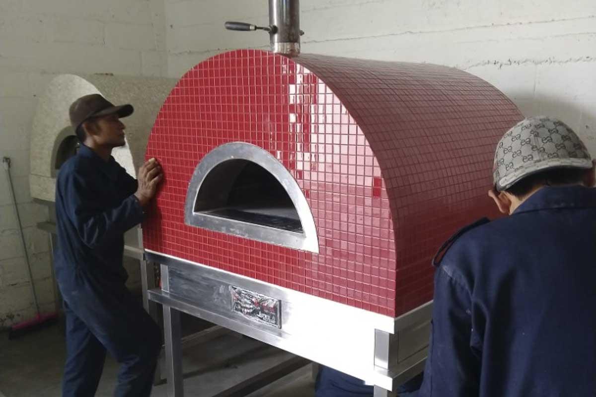 Aurora 90 red Oven Pizza Brick Lava Stones Wood Gas Bali Indonesia Asia 200 042